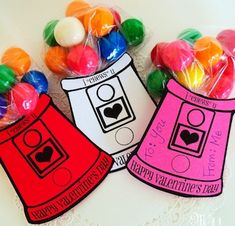 """Aw, is there anything more classic than candy and silly sentiments for Valentine's Day? I'm loving this """"I chews you"""" gumball machine Valentine's Day card. Find the ho… Valentine Love, Kinder Valentines, Homemade Valentines, Valentine Treats, Valentine Day Crafts, Happy Valentines Day, Holiday Crafts, Valentine Cards, Printable Valentine"""