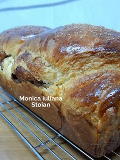 Cacao Beans, Sweet Bread, Carne, Banana Bread, Food And Drink, Desserts, Cook, Recipes, Romanian Recipes