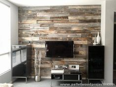 Wall-Made-Out-of-Pallets.jpg (750×563)