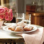 Beignets a la Cafe du Monde from Southern Living