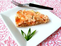Torta de macarrão com sobras de salmão e de alhoporó