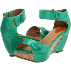 LOVE LOVE LOVE my Miss Mooz shoes in this great green color!