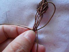 ΦΘΙΝΟΠΩΡΙΝΑ ΦΥΛΛΑ | kentise Macrame Necklace, Stud Earrings, Macrame Bracelet Tutorial