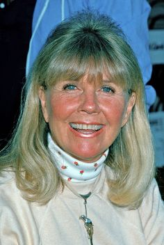 So beautiful!!! Doris Day