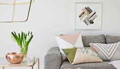 Cap sur la déco du petit salon. Pour une ambiance au top, nul besoin de disposer d'une surface démesurée. Du papier peint aux couleurs chamarrées, des meubles astucieux, de beaux matériaux... Et notre petit salon se transforme en repaire ultra-stylé. Démonstration.