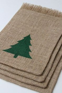 Burlap Gift Bags Christmas Tree Shabby Chic by FourRDesigns Burlap Christmas Tree, Felt Christmas Decorations, Shabby Chic Christmas, Christmas Sewing, Christmas Bags, Christmas Gift Wrapping, Country Christmas, Christmas Christmas, Holiday