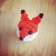 Ravelry: Foxy Brooch pattern by Nathalie Nuisement Crochet Fox Pattern Free, Crochet Patterns Amigurumi, Amigurumi Doll, Free Pattern, Wooper Pokemon, Diy Crochet, Crochet Hats, Crochet Keychain, Kawaii