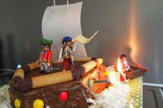 verjaardagscake van playmobile - piratentaart - pirate cake with playmobile