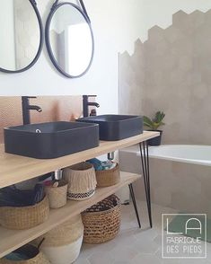 Meuble salle de bain avec HAIRPIN LEGS sur mesure This bathroom furniture and its storage are made from legs hairpin Decor, Diy Bathroom, Cheap Home Decor, Diy Bathroom Decor, Bathroom Interior, Bathrooms Remodel, Contemporary Living Room Furniture, Bathroom Furniture, Home Decor