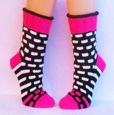 Kuschelsocken Größe 39/40 von Maschenmagie auf Etsy Crochet Socks, Knitting Socks, Free Knitting, Knit Crochet, Knitting Patterns, Only Jeans, Aran Weight Yarn, Knit Stockings, Stocking Pattern