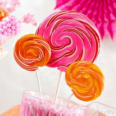 Gorgeous lollies are the celebs of the candy scene! Just stand 'em up in a container and they'll be the stars of your candy buffet.