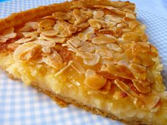 La cocina de Piescu: Tarta casera de almendras Hispanic Desserts, Spanish Desserts, Spanish Dishes, Mexican Food Recipes, Sweet Recipes, Cake Recipes, Dessert Recipes, Sweet Pie, Sweet Tarts