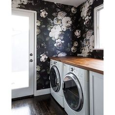 Beautiful wallpaper design in this laundry room!! We love this idea from @sarahshermansamuel !! Even if it's freezing cold outside this floral pattern will let you escape to somewhere warmer!! | : @sarahshermansamuel #IMPVlife #naturallighting #laundryroom #clean #homesweethome #home #decor #windows #livingroom #interiordesign #realestate #interiorinspiration #decorinspiration #decorhome #gorgeous #style #cozy - Architecture and Home Decor - Bedroom - Bathroom - Kitchen And Living Room…