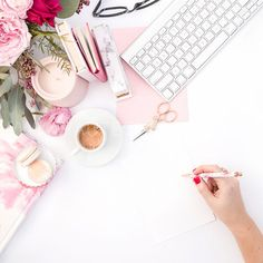 Beautiful Pink and Red Styled Stock Photos for Women Entrepreneurs — Haute Stock