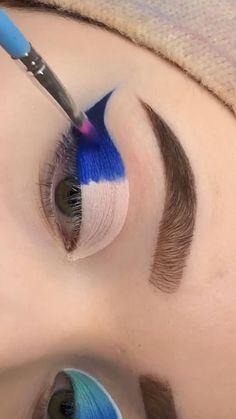 Edgy Makeup, Eye Makeup Art, Smokey Eye Makeup, Skin Makeup, Blue Makeup, Dark Makeup, Creative Eye Makeup, Colorful Eye Makeup, Hooded Eye Makeup Tutorial