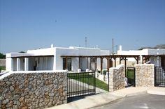 Luxury pool & outdoor Jacuzzi ,Ladiko -Aglaia - Holiday homes & villas on Rhodes Island Greece Rhodes Island Greece, Jacuzzi Outdoor, Villa With Private Pool, Luxury Villa, Rhode Island, Villas, Relax, Homes, Vacation