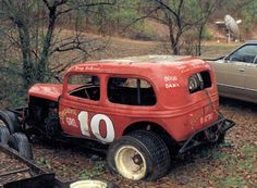 Old modified race car from the 60's. Still looks good.