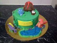 Dinosaur Cake by Sweet Cheeks Cakes