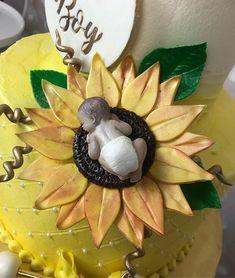 Sunflower Babyshower🌻 photography by Sunflower Party, Sunflower Baby Showers, Babyshower, Wreaths, Halloween, Birthday, Photography, Decor, Birthdays