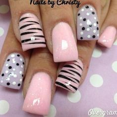 Generally, people thought nail art can be possible on long nails But actually, it's not so! Simple nail art designs for short nails are not only popular Fabulous Nails, Gorgeous Nails, Pretty Nails, Hot Nails, Pink Nails, Pink Shellac, Girls Nails, Manicure E Pedicure, Pink Pedicure