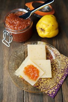 Recipe: quince jam This seems to be the year of maintenance and catch up. Those things you do every four, seven, or ten years on a house all managed to Quince Recipes, Jam Recipes, Canning Recipes, Recipe Using, Recipe Box, Apple Jam, Peach Jam, Winter Desserts, Kitchens