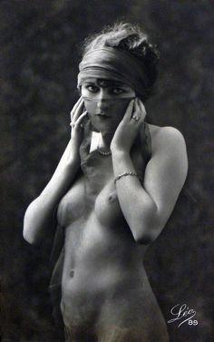 Studio Léo, Paris, 1920's