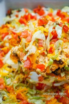This Taco Casserole is easy to make ahead of time and bake later! It's loaded with juicy ground beef and your favorite Mexican toppings for a perfect weeknight dinner! with ground beef easy Taco Casserole Salsa Ranchera, Salsa Picante, Easy Taco Casserole, Chicken Casserole, Hamburger Casserole, Pasta Casserole, Mexican Casserole, Hamburger Meat Recipes, Gastronomia
