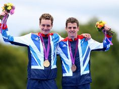 Alistair and Jonny Brownlee made the Olympic triathlon a family affair as they thrilled the huge Hyde Park crowd to take gold and bronze.