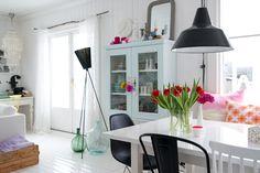 Love the bright colours. :-)