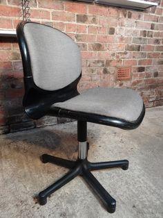 Dutch Thornet Office chair #grey #dutch #nederlandse #retro #classic #60s #gewoon #black #thornet #design  #tbt #furniturefindingservice #vintage #retro #euvintage