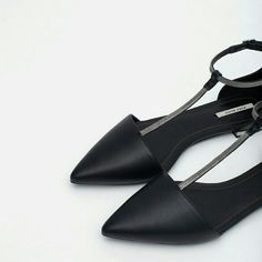 Zara shoes (6822) New with tag. EUR 40 US 9. Upper 100% POLYURETHANE. Lining 60% polyurethane 40% polyester. Zara Shoes Flats & Loafers