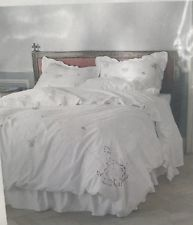 Shabby and elegant White cutwork lace Duvet cover Bedding Set Embroidered Bedding, Simply Shabby Chic, Cutwork, Throw Rugs, Bed Covers, Twin, Bedroom, Elegant, Furniture