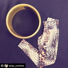 now on stock! ❤️#yowheelGOLD and new #leoprint #leggins.❤️ #Repost @tanja_yowhee ・・・ Mädels, jetzt müsst ihr schnell sein, wir haben nur noch wenige leggings in unserem Shop! Also rasch noch stöbern auf www.yowhee.eu #yowheel  #gymclothes#yowhee #style #yowheefashion #gymwear #yogalove #yogaliving #yogafoyosoul #yogainspiration #yogaathome #yowheefashion #yoganerd #igyoga #instayoga #yogisofinstagram #dharmayogawheel #limitlesswheel #limitlesswheeluk #йогакаждыйдень #йогадлявсехo Crow Pose, Yoga At Home, Asana, Yoga Inspiration, Leggings, Instagram Posts, Shop, Style, Self