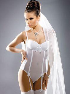 Bielizna ślubna w formie body - dostępna w Oui.pl