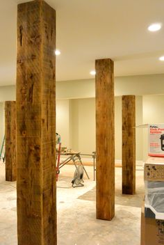 Offer your basement walls a rustic appearance without breaking the bank or break… - Keller Schlafzimmer Basement Apartment, Basement Bedrooms, Basement Walls, Basement Flooring, Apartment Renovation, Basement Bathroom, Basement Makeover, Basement Renovations, Home Remodeling