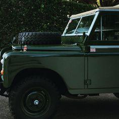 https://flic.kr/p/PkivW9   Land Rover Series RG