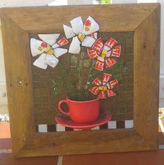 Trabalhos em Mosaico: Mais Flores com Louça !!!