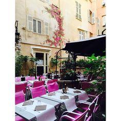 #Rocher La vieille ville de Monaco,très jolie...#principautedemonaco#principautedemonaco#principauté#monaco#restaurant#viagem#voyage#voyager#ferias#ferias2015#vacation#vacances#montecarlo#luxury by juniafaria94 from #Montecarlo #Monaco