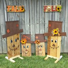 me ~ Reversible snowman scarecrow pallet sign Thanksgiving Wood Crafts, Fall Wood Crafts, Pallet Crafts, Wooden Crafts, Diy Pallet, Halloween Crafts, Holiday Crafts, Fall Halloween, Wood Snowman