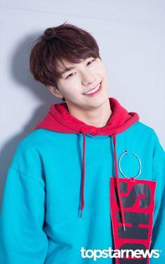 Kang Seung Sik 강승식    Victon    1995    180cm    Main Vocal