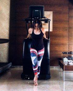Sonakshi Sinha Poonam Sinha, Sonakshi Sinha, Indian Film Actress, Indian Actresses, Katrina Kaif Bikini, Indian Beauty Saree, Bollywood Actors, Asian Beauty, Thighs