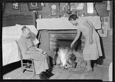 Interior of the home of Harriet Hankins at the site of the planned community near Norris Dam. Harriet Hankins is 73 years old, October 1933 |  The U.S. National Archives