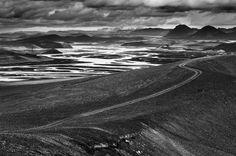 #black&white Altopiano di Ljotipollur  #Islanda  http://www.babelemagazine.com/2015/04/08/blackwhite-2/