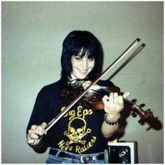 Joan rocks the violin Her Music, Music Is Life, Divas, Sandy West, Cherie Currie, Lita Ford, Rocker Girl, Joan Jett, Janis Joplin