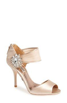 Beautiful Badgley Mischka peep toe sandal http://rstyle.me/n/vixgrnyg6