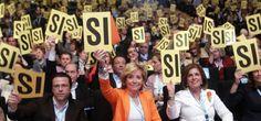 La Esperanza Aguirre más casual, enfundada en unos vaqueros, no tuvo rival ni receta ideológica alternativa contra la que desenfundar. Más lideresa que nunca, con todos los versos sueltos atados y bien atados, se proclamó presidenta del Partido Popular madrileño en una votación que pareció más un mero trámite. La jefa del Gobierno regional logró un 97,2% de respaldo, frente al 96,3% del congreso de 2008.