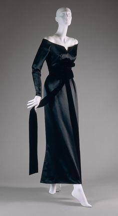 Evening dress   C.I.65.14.12a,b   Work of Art   Heilbrunn Timeline of Art History   The Metropolitan Museum of Art