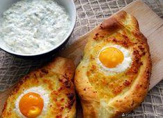 Chaczapuri adżarskie - przepis ze Smaker.pl Tzatziki, Feta, Pizza, Eggs, Breakfast, Recipes, Aesthetics, Morning Coffee, Recipies