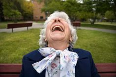 Google Image Result for http://1.bp.blogspot.com/-pV5hz5KX9Hw/T8_Jn1lUebI/AAAAAAAABEs/ClbcVdHovm8/s1600/oldwoman_laughing_or_crying.jpg