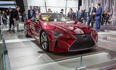 2017-Lexus-LC500-show